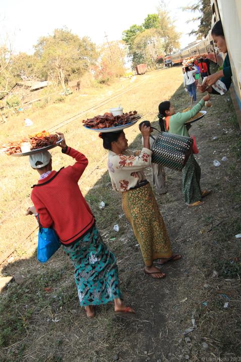 Food hawkers, Myanmar
